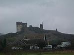 A vár a falu végéről