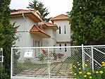 A ház az utcafrontról