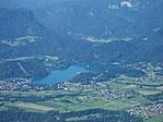 Kilátás fentről: Bledi-tó