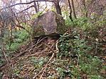 Az egykori falura emlékeztetnek az elhagyott kutak...