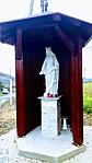 Árpádházi Szent Erzsébet szobra a kertben